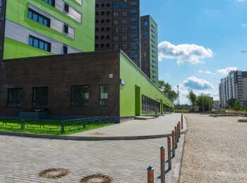Придомовая территория корпуса 25 в жилом комплексе Новое Медведково